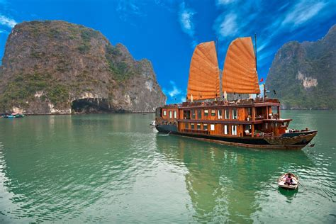 hanoi junk boat cruise halong bay overnight junk boat cruise vietnam things to