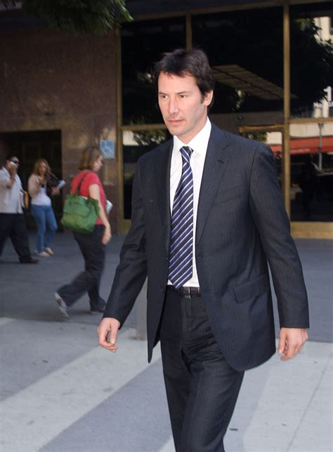 Keanu In With Paparazzo by Keanews şubat 2011