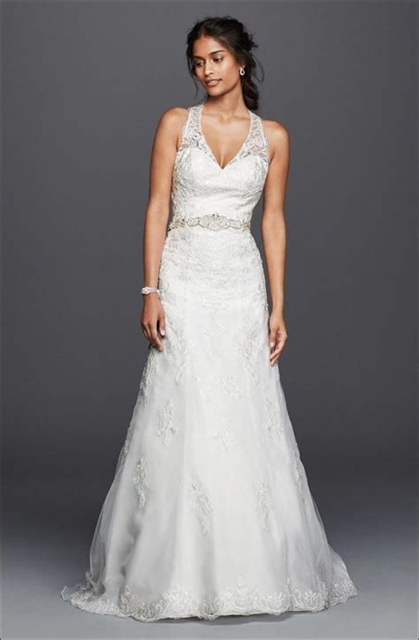 5 Wedding Gown Trends For 2010 by Wedding Dress Styles For Types According To Your