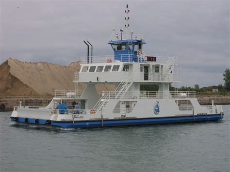 ferry boat uses heavy duty custom manufactured vehicle transport ferries