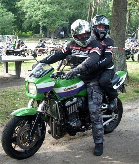 Motorrad Kinder Beifahrer by Biker De Sozius Sozia Beifahrer Auf Einem Motorrad