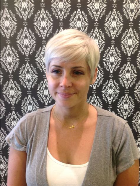 salons near atlanta ga that specializes in short coil hairstyles salons that specialize in pixie cuts stylist back view