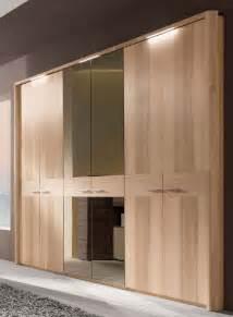 6 türiger kleiderschrank weiss 6 t 252 riger kleiderschrank mit spiegel bestseller shop f 252 r