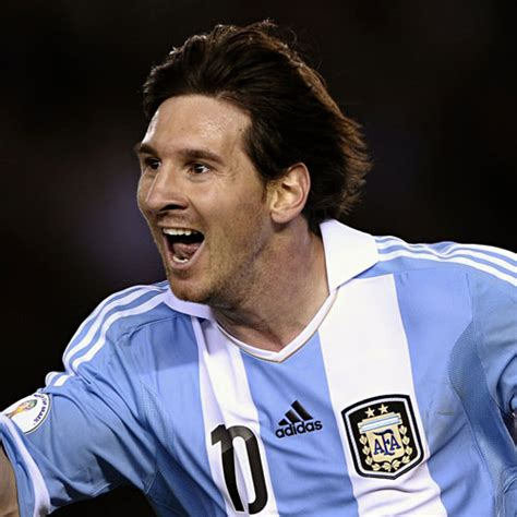 soccer players haircuts designs lionel messi haircut