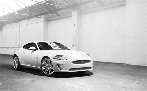 white jaguar car wallpaper hd cool white car wallpaper 32700 1920x1200 px hdwallsource com