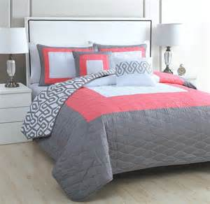Pink And Grey Bed Sets 5 Modern Coral Pink Grey White Quilt Set Bed Size Geometric Bedding What S It Worth