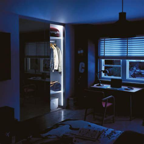 eclairage placard led eclairage led pour dressings et placards eclairage led