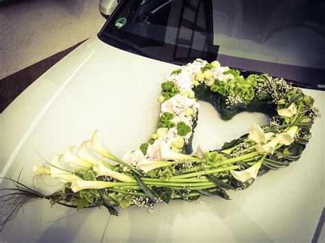 Hochzeitsschmuck Auto Blumen by Blattwerk Floristik Blumen Und Dekoration Berlingerode