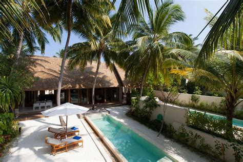 maldives ringali island conrad underwater restaurant part conrad rangali island resort bonjourlife
