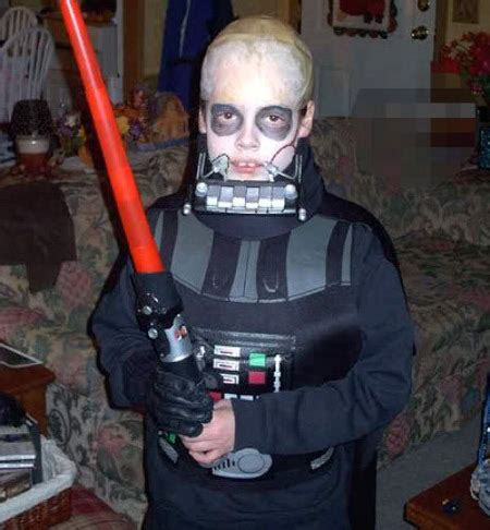 yikes scary  vader  scary geekologie