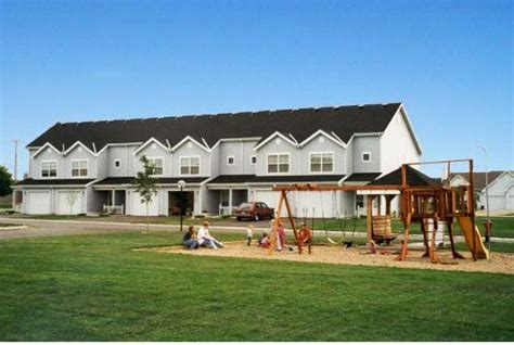 Cedar Run Townhomes Rentals Owatonna Mn Apartments Com