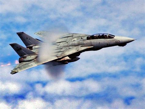 why the f 14 tomcat is one of the greatest fighter jets of