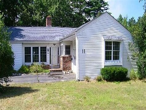 houses for sale in rochester nh 11 st james terrace rochester nh 03867 foreclosed home