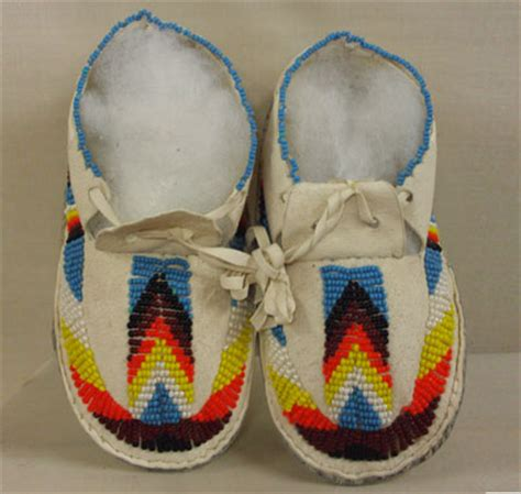 moccasin beading designs image gallery moccasin beading patterns