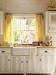 Kitchen Drapery Ideas 25 Best Ideas About Yellow Kitchen Curtains On Curtains For Kitchen Kitchen Window