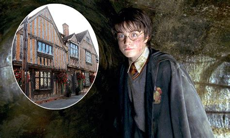 harry potter home harry potter s childhood home is on the market for 163 995 000