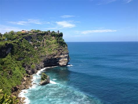 uluwatu temple   day tours family bali tours