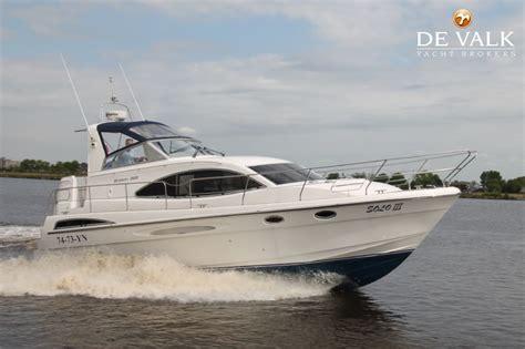 valk yachting loosdrecht broom 365 motorboot te koop jachtmakelaar de valk