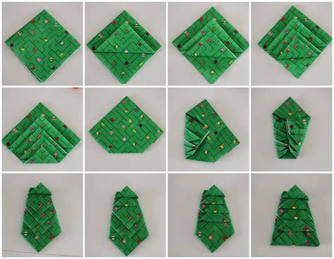 weihnachtsbaum servietten falten kusselina adventskalender t 220 rchen 8