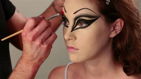 makeup tutorial evil queen evil queen halloween makeup videos tv how to s and ideas