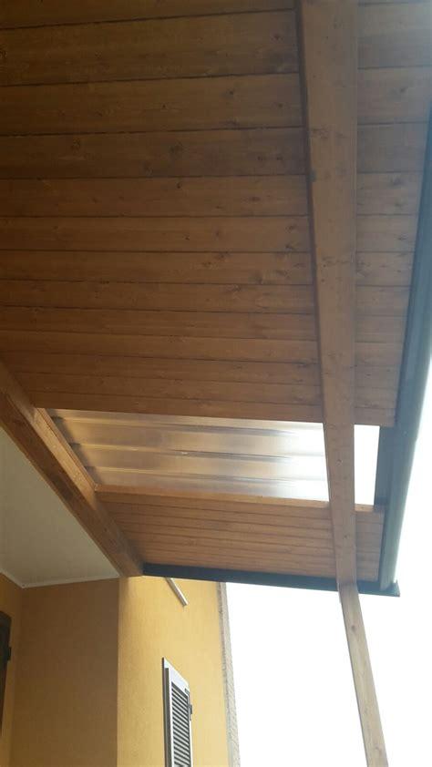 costruire una tettoia addossata tettoia addossata con lucernario cereda legnami agrate