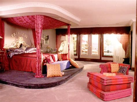 regina george bedroom the most chic and stylish fictional bedrooms from tv and