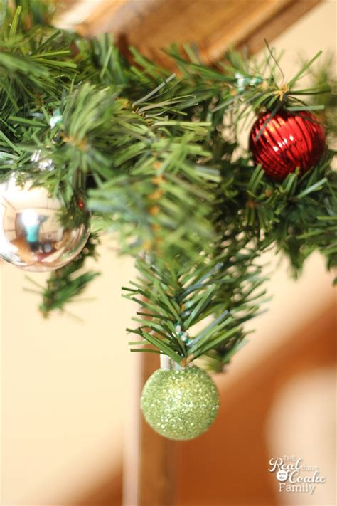christmas decorating ideas to make a christmas garland