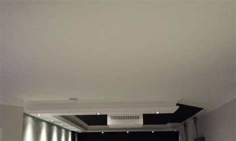 decke kabel verstecken visuelle raumoptimierung wohnzimmer projektoren beamer