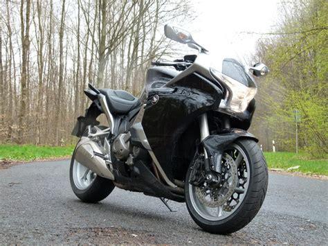 Motorrad Verkauf Ohne Abmeldung by Vortrieb Ohne Ende Honda Stattet Motorr 228 Der Mit Dct