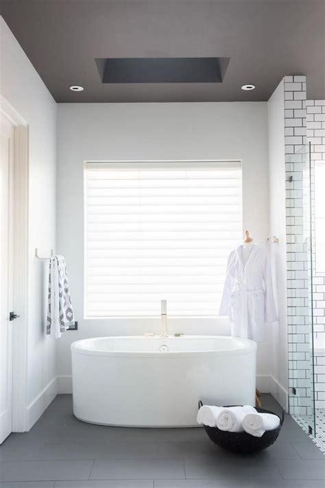 55 smart bathroom decor ideas on a budget lovelyving com 94 best hgtv smart home 2017 images on pinterest