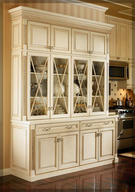 Hutch Cabinets Dining Room by Dining Room Hutches Kraftmaid Cabinetry