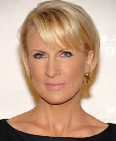 best haircuts for 50 with jowls best hairstyles for women over 50 with jowls