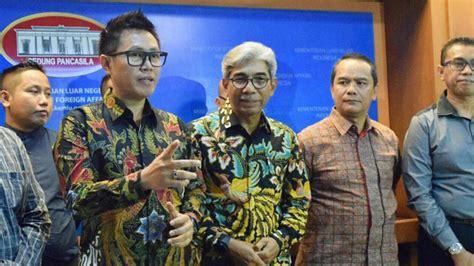 film komedi indonesia kadir dan doyok pelawak indonesia siap bayar denda untuk bebaskan cak yudo
