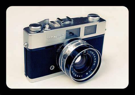 cheap vintage polaroid faded polaroid 600 photo effect for a vintage look