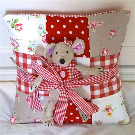 Patchwork Cushion Designs - best 25 patchwork cushion ideas on patchwork