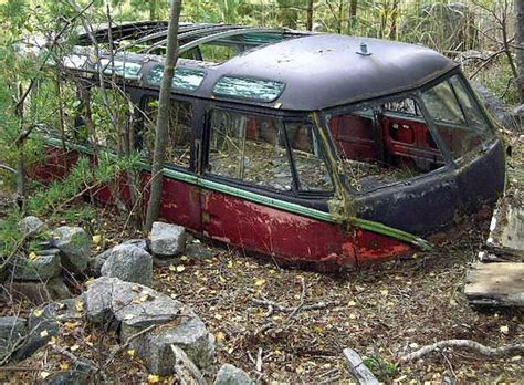 vw schwimmwagen found in forest vw bus 201 pave abandon vw pinterest volkswagen buses