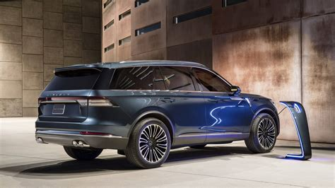 New Lincoln Concept by 2020 Lincoln Aviator Concept Goes In Hybrid At New