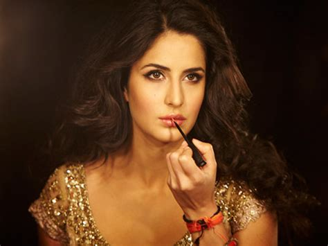 bollywood actresses charges per movie amount of money katrina kaif deepika padukone charge a