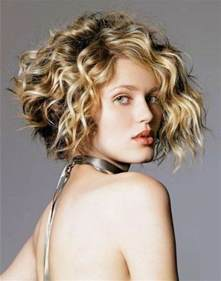 21 stylish and glamorous curly bob hairstyle for