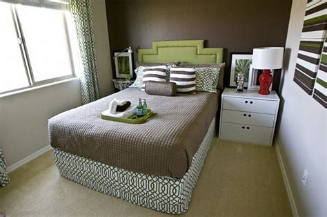how to furnish a small bedroom how to arrange furniture in a small bedroom