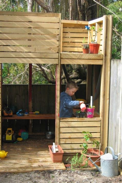 pallet cubby house plans the best pallet playhouse ideas on pinterest plan to build cubby house superb kid