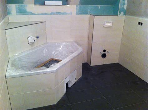 Fertig Badewanne by Fliesen Fast Fertig Baupanker