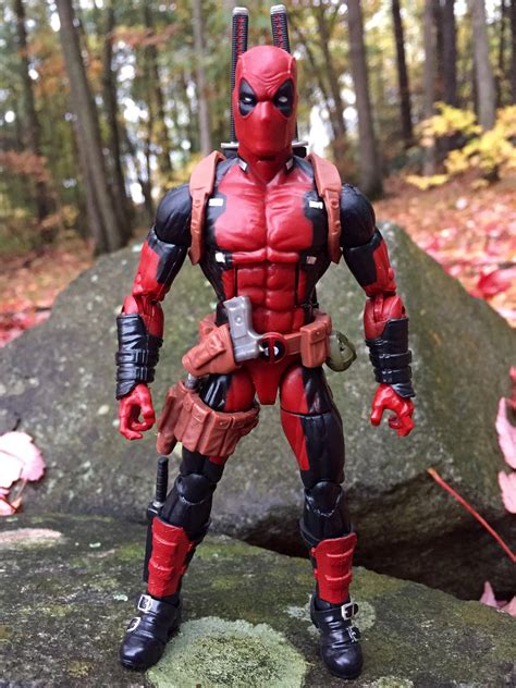 figure news and review marvel legends deadpool figure review photos marvel