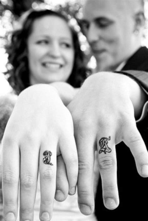 tattoo finger couple 20 best couple tattoos permanently inking your passion
