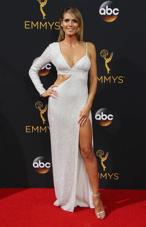Who Wore Michael Kors Better Heidi Klum Or Hudson by Emmys Fug Carpet Heidi Klum In Michael Kors Go Fug Yourself