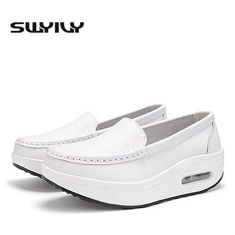 white nursing sneakers 25 best ideas about white nursing shoes on