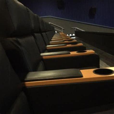 Regal Cinemas Recliners by Regal Cinemas Hadley Theatre 16 28 Photos 37 Reviews