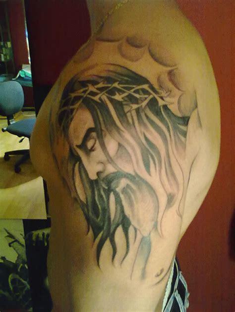 imagenes de tatuajes de jesus crucificado tatuajes jesucristo en la cruz