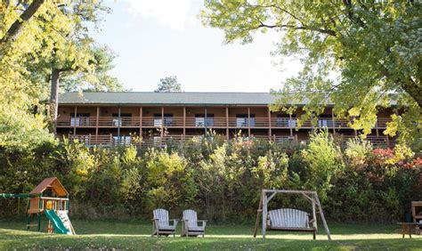 Wisconsin Dells Cabins To Rent by Cedar Lodge Wisconsin Dells Resort Wisconsin River