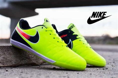 Sepatu Bola Nike Warna Hijau jual sepatu futsal nike import hijau baju kaos distro